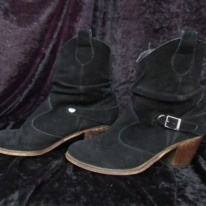 Decree Black suede booties  8M